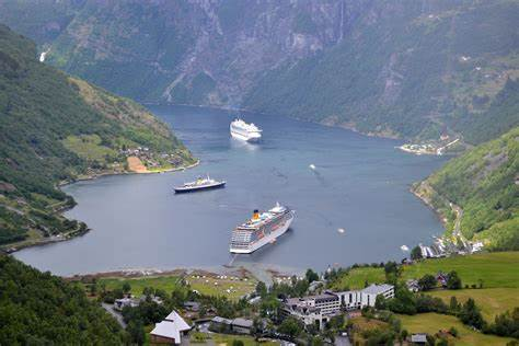 Norvegia opreşte vaccinarea copiiilor de 12-15 ani cu a doua doză de vaccin Covid 19