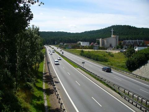 Patru asocieri de companii au depus oferte pentru elaborarea studiului de fezabilitate necesar construcţiei drumului expres Cluj – Dej